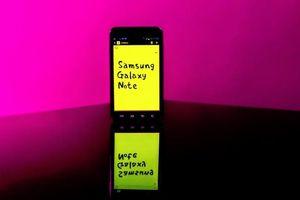 Màn hình smartphone ngày càng lớn đều 'nhờ' công của thiết bị này