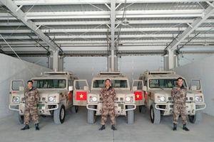 Soi dàn vũ khí 'khủng' Việt Nam được dùng thử ở Nga - Trung