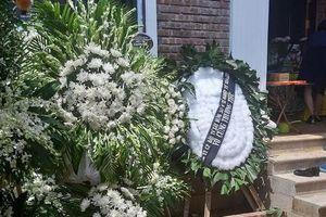 Những vòng hoa trắng và nỗi đau tận cùng ở tang lễ bé trai trường Gateway
