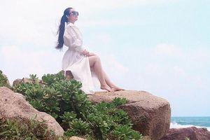 Nữ hoàng sắc đẹp Kim Trang khoe nhan sắc cuốn hút trong kì nghỉ tại Côn Đảo