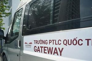 Hành trình bị bỏ quên trên xe ô tô của học sinh lớp 1 trường Gateway