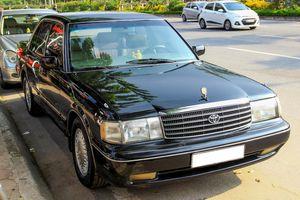 Toyota Crown - 'Xe chở VIP' những năm 90 có gì đặc biệt?