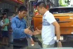 Người Hà Nội ứng xử văn minh trong giao thông - Kỳ 2: Những 'Lục Vân Tiên' thời hiện đại
