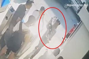 Thêm thông tin mới vụ bé trai trường Gateway tử vong vì bị bỏ quên trên xe đưa đón