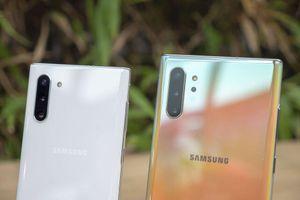Sau khi bỏ giắc cắm tai nghe trên Note 10, Samsung đang tìm cách xóa sạch các video hãng 'troll' Apple vì bỏ giắc cắm tai nghe trên iPhone