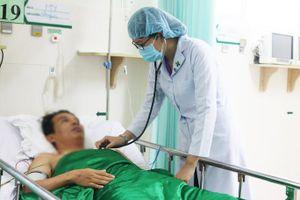 Sốc tim 50 lần cứu người đàn ông ngưng tim, ngưng thở