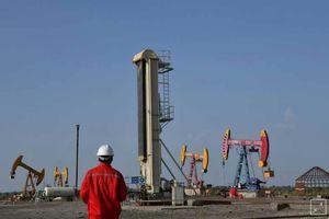 Trung Quốc qua mặt Mỹ, nhập ồ ạt dầu thô Iran