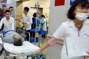 Bác sĩ gạt hết quy trình, chấp nhận rủi ro cứu mẹ 9X gặp một lúc 3 tai biến sản khoa