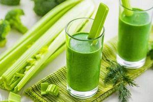 Khoa học chứng minh: Uống nước ép cần tây mỗi ngày giúp bạn trẻ ra trông thấy