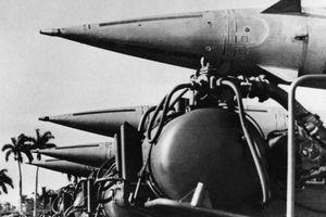 Cuộc khủng hoảng tên lửa Cuba: Căng thẳng tột độ trong quan hệ Xô – Mỹ (Kỳ 3)