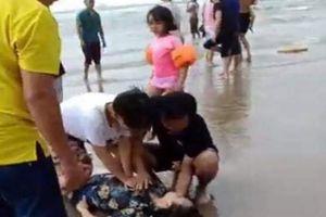 Thảm họa tắm biển ở Bình Thuận, 4 người bị sóng cuốn tử vong