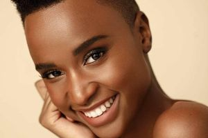 Lộ diện mỹ nhân Nam Phi sẽ cạnh tranh với Hoàng Thùy tại 'Miss Universe'