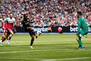 Sterling và VAR, những nhân tố chính trong chiến thắng 5 sao của Man City