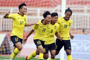 Quật ngã Singapore, Malaysia giành 3 điểm đầu tiên