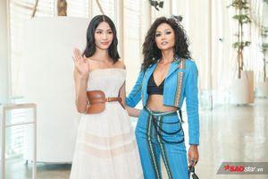 Lâu ngày hội ngộ, H'Hen Niê - Hoàng Thùy đọ trình catwalk, thần thái chuẩn Miss Universe
