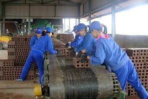 Nữ công nhân tử vong do bị cuốn vào hệ thống cấp liệu sản xuất gạch