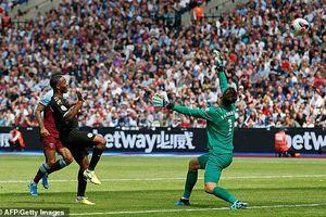 Sterling lập hat-trick, Man City thắng tưng bừng 5-0 trên sân West Ham