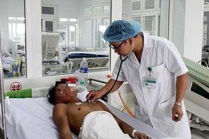Hà Nội: Nam thanh niên nhập viện cấp cứu vì nôn ra máu sau 5 ngày uống rượu triền miên