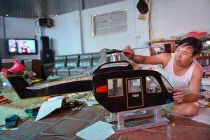 Trực thăng, cần cẩu, xe phân khối lớn bằng giấy để cúng rằm tháng 7