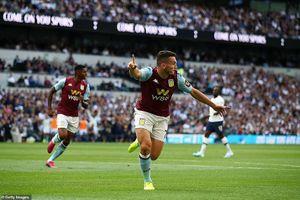 Tottenham suýt ôm hận vì đội bóng của John Terry