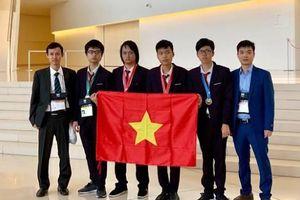 Đội tuyển Việt Nam giành 4 huy chương tại cuộc thi Olympic Tin học quốc tế