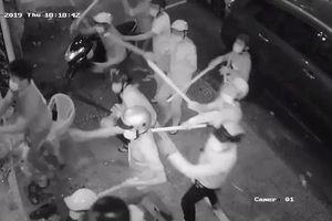 Hàng chục giang hồ đập phá nhà hàng cuỗm túi xách chứa 200 triệu đồng ở trung tâm Sài Gòn