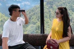 Bùi Tiến Dũng đăng ảnh tình cảm với vợ, Đình Trọng hỏi 'Còn tôi?'