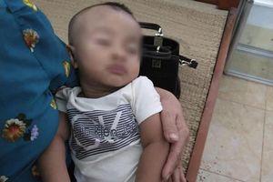 Tìm người thân bé trai 7 tháng tuổi nhặt được trên đường