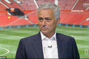 Jose Mourinho 'ném đá' cả M.U và Chelsea trên sóng truyền hình