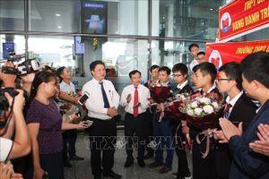 Đón đoàn học sinh Việt Nam trở về từ kỳ thi Olympic Tin học quốc tế 2019
