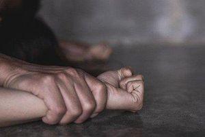 Kinh hoàng lời kể của nạn nhân trong nghi án 2 chị em ruột bị 2 người đàn ông hàng xóm hiếp dâm