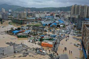 Bão, mưa lũ gây thiệt hại lớn về người tại Trung Quốc