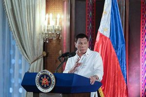 Lo xung đột, 'thảm sát', Tổng thống Duterte mang 'vấn đề Biển Đông' tới Trung Quốc