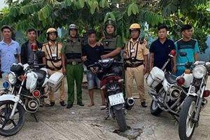 Công an bắt 'nóng' tên trộm xe máy