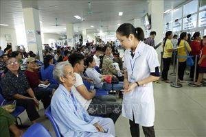 Khám chữa bệnh theo yêu cầu để chăm sóc toàn diện người bệnh