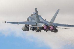 Su-27 của Nga rượt đuổi 'nghẹt thở' chiếc F-18 của Tây Ban Nha trên biển Baltic