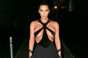 Kim Kardashian và những lần khoe thân quá đà khi xuống phố