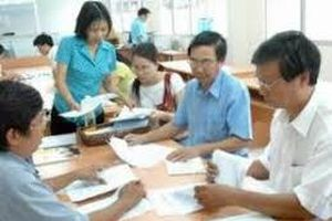 Nâng lương trước hạn với công chức có thông báo nghỉ hưu