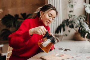 Điều kỳ diệu gì xảy ra với cơ thể khi bạn uống trà hàng ngày?
