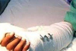 Khởi tố đối tượng chém vợ cũ đứt lìa 2 bàn tay vì tranh chấp đất