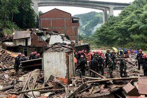 Bão Lekima gây sập nhà cao tầng ở Trung Quốc, số người chết tăng lên 49