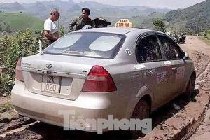 Thi thể lái xe taxi bị 3 người Trung Quốc sát hại được tìm thấy trên sông Hồng
