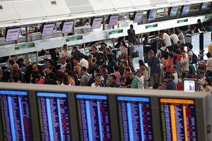 Sân bay Hong Kong (Trung Quốc) mở lại, hơn 200 chuyến bay bị hủy