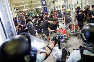 Sân bay quốc tế Hồng Kông mở lại sau hai ngày thất thủ do biểu tình