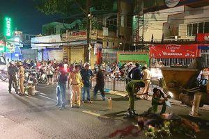 Lao xe vào máy bơm bê tông, 2 thanh niên tử vong ở Gò Vấp
