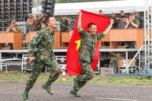 Tuyển Việt Nam thi đấu hết mình ở giải bắn súng tiếp sức Army Games