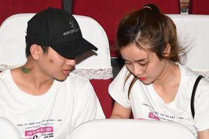 Hoài Lâm xuất hiện bên vợ sau khi xác nhận đã có hai con gái