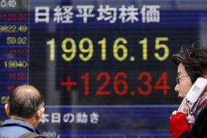 Chứng khoán toàn cầu bùng nổ sau khi Nhà Trắng hoãn tăng thuế một số hàng hóa Trung Quốc