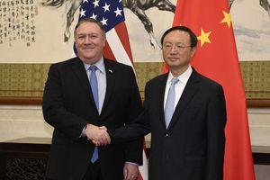 Giữa khủng hoảng Hong Kong, quan chức ngoại giao Mỹ - Trung bất ngờ gặp nhau