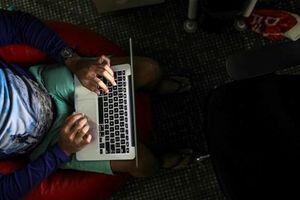 Mỹ cấm một số mẫu máy tính MacBook Pro của Apple trên các chuyến bay